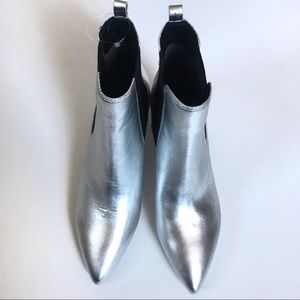 Sam Edelman silver pointed tow booties size 8